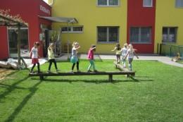 kindergarten-spielplatz-unterlamm